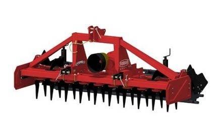 La maquinaria para la nivelación de suelos para la siembra es la meta de F112
