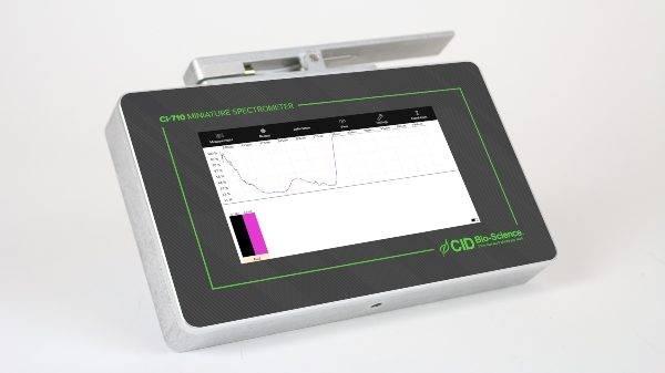 Actualizan espectrómetro de campo para medir la fisiología de la planta