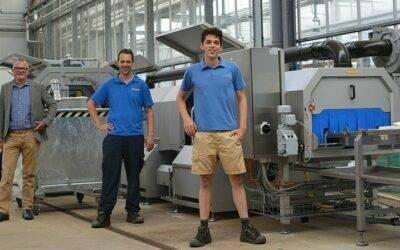 Beekenkamp Plants cuenta con nueva máquina para el lavado de bandejas bkx