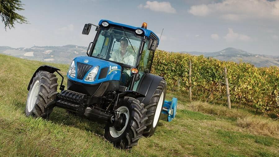 Tractors at EIMA: prestigious brands and «top» models